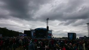 Grauer Auftakt auf der Blue Stage mit den Counting Crows