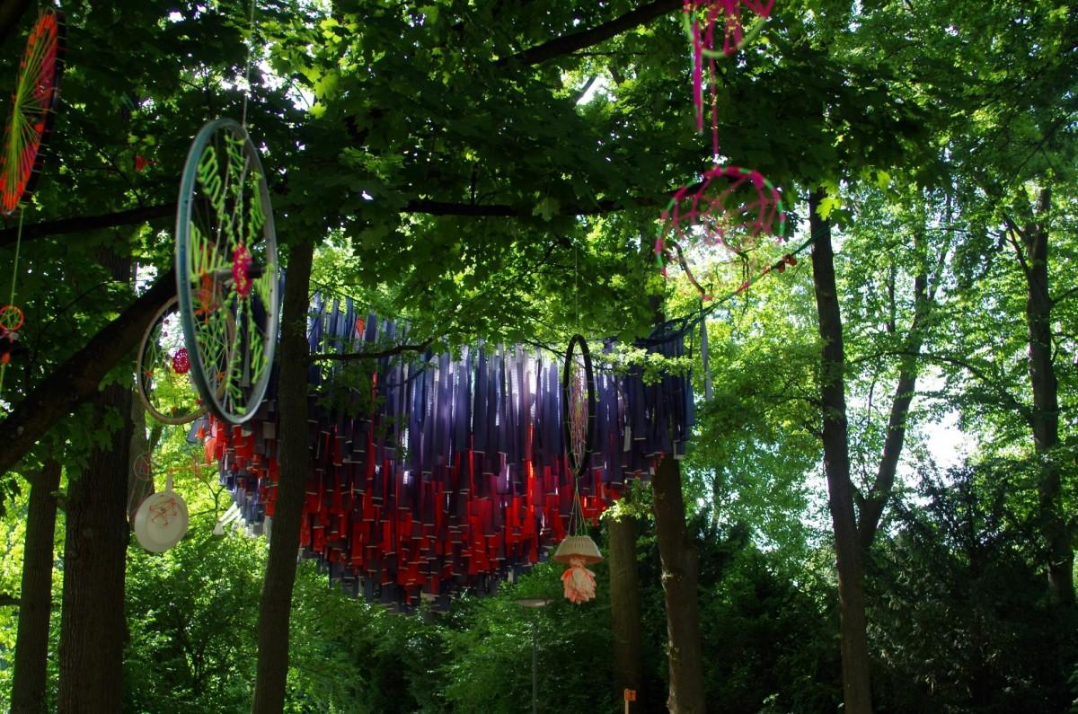 Liebevoll dekoriertes Festivalgelände II